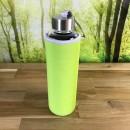 Borosilikatglasflasche-mit-Neoprenhuelle-gruen