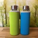 2 x Saftflasche-aus-Glas-mit-Neoprenhülle