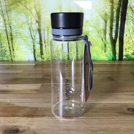 Uncity-Matcha-Flasche
