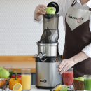 Kuvings CS700 Gastro Slow Juicer